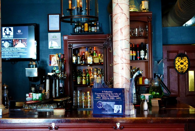 Gather around the bar for a pint!
