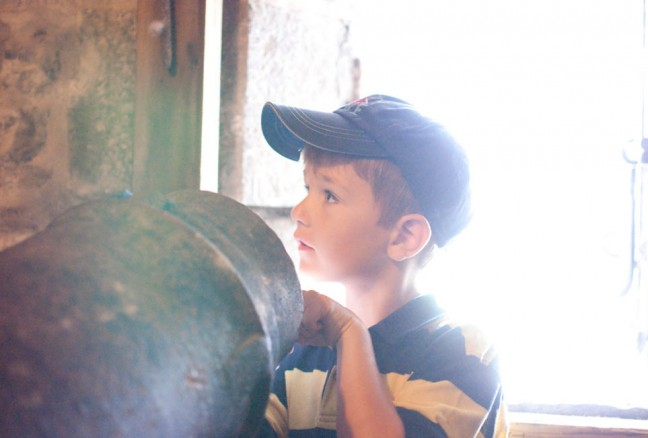 6 year-old Will figuring out the ins and outs of the reverse facing cannons at Fort Henry.
