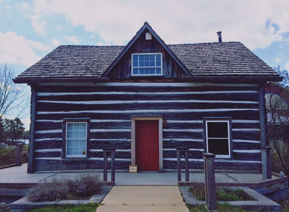 MaclachlanWoodworking_loghouse