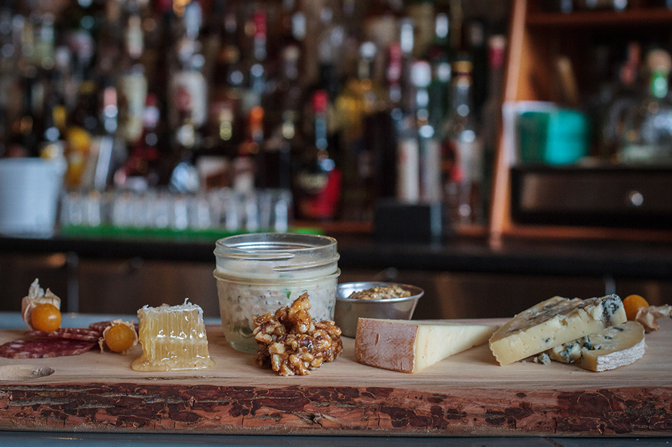 chien-charcuterie-and-cheese