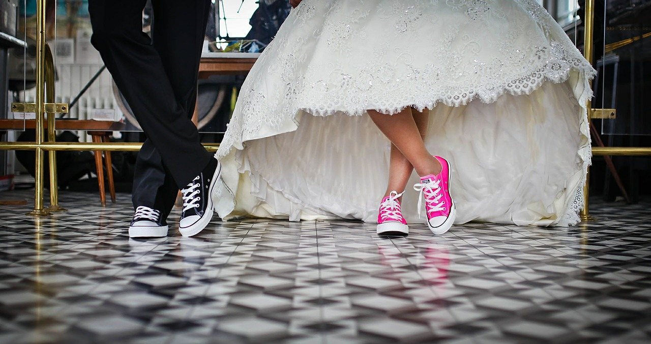 Your Guide to Kingston in February Valentine's City Hall Wedding